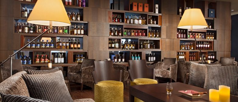 The WoW Bar - Mövenpick Heritage Hotel